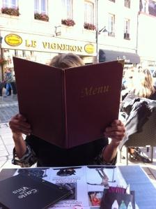 gendergrandma considers her lunch options: Quiche? La salade? Du vin?